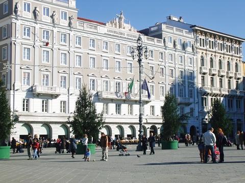 torieste-piazza.jpg